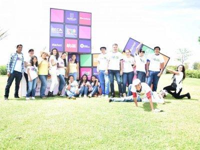 """<a href=""""/noticias/estudiantes-del-sistema-abierto-participan-en-el-beca-fest-2016"""">Estudiantes del sistema abierto participan en el Beca Fest 2016</a>"""