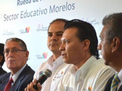 """<a href=""""/noticias/preparatoria-abierta-es-una-opcion-educativa-para-toda-la-poblacion"""">Preparatoria Abierta, es una opción educativa para toda la población.</a>"""