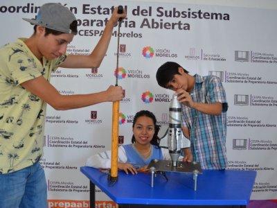 """<a href=""""/noticias/estudiantes-del-sistema-abierto-destacan-en-el-concurso-de-fisica-por-tercer-ano"""">Estudiantes del sistema abierto destacan en el concurso de física por tercer año consecutivo</a>"""